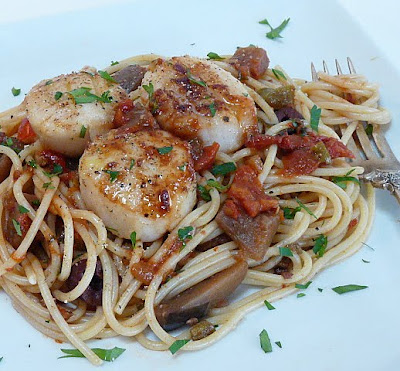 Be Creative I Know This Will Become One Of Your Favorite Recipes Too Today I Seared Scallops And Topped A Plateful Of Pasta