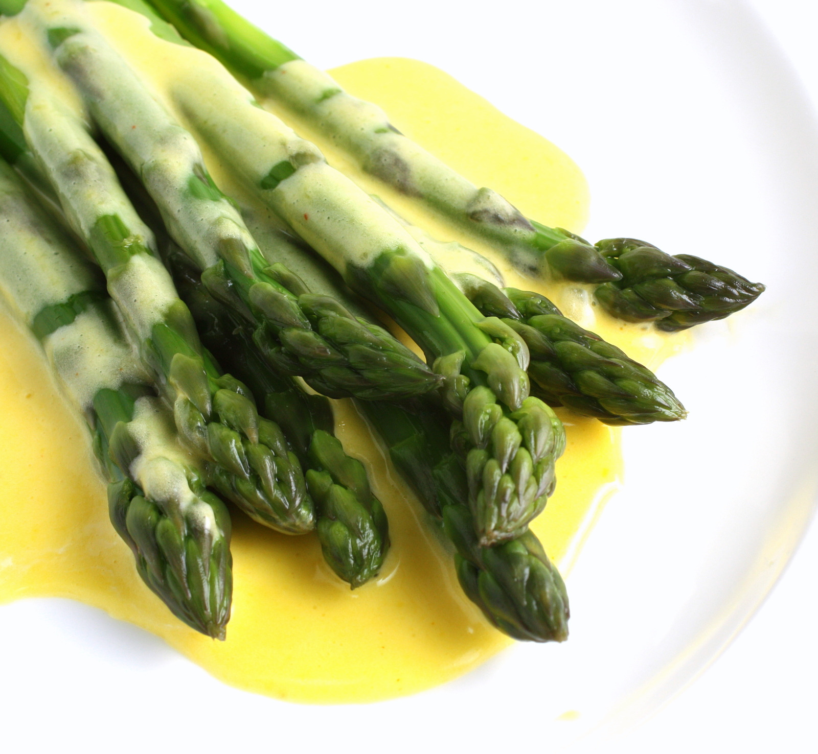 Asparagus with Hollandaise Sauce | Wives with Knives