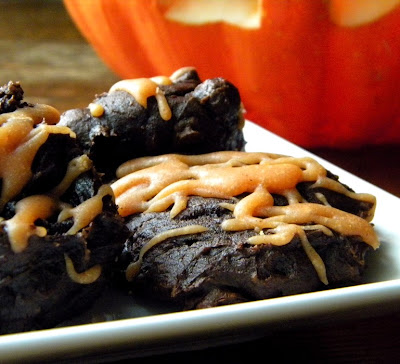 ... Chocolate Fudge Pumpkin Cookies with Pumpkin Spice Glaze by Cleo Coyle