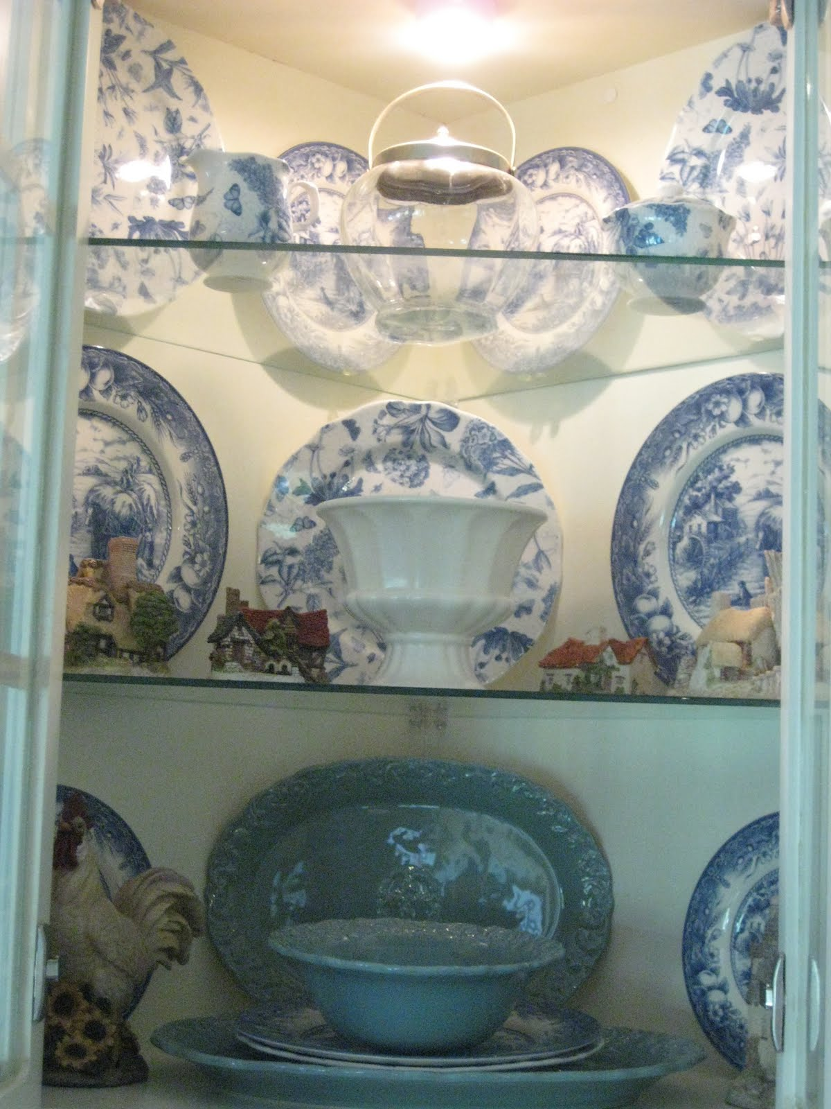 So although I originally began with a blue and white scheme, I forsee