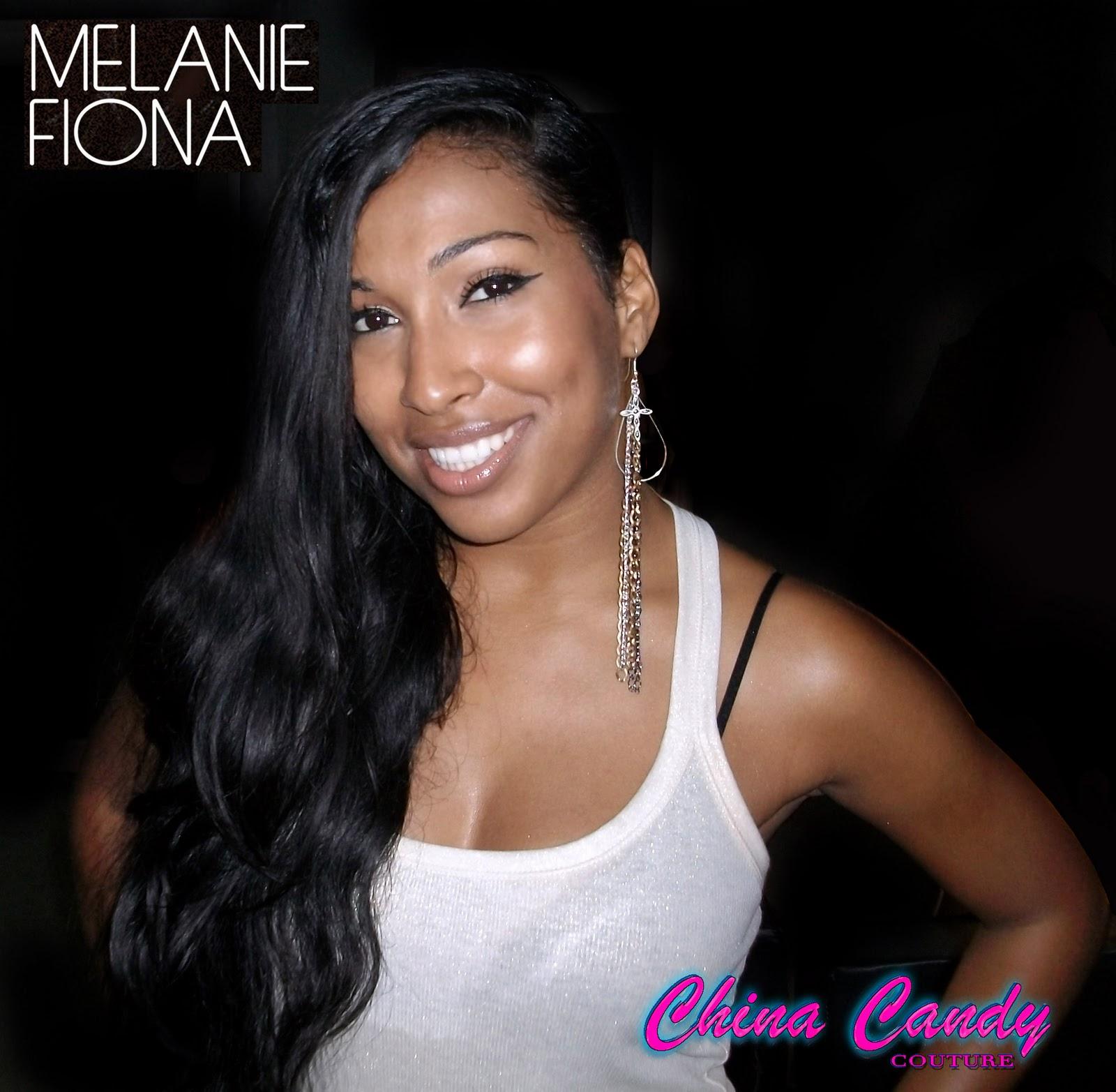 http://2.bp.blogspot.com/_kJ7q6ExLwtA/TRFHNH6BstI/AAAAAAAAApg/GjVvesSkYZI/s1600/MelanieFiona.jpg
