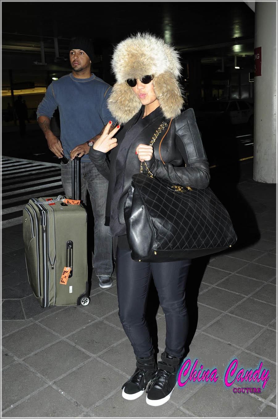 Nicki Minaj Wears See Through Tights Nyc wearing this fur hat,