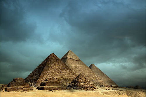 pyramids%5B1%5D 42 Incredible Examples Of Architecture Photography