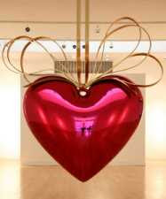 Jeff Koons - Hanging Heart (Magenta and Gold) 1994-2006 © Sotheby's Images