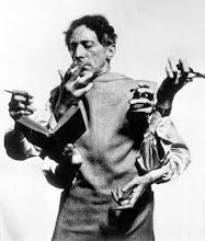 Shiva Mahadeva como Jean Cocteau