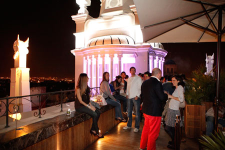Por 25 petesas sitios en madrid forocoches - The penthouse madrid ...