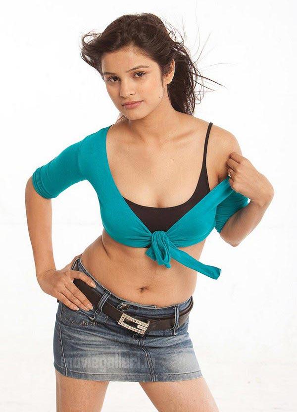http://2.bp.blogspot.com/_kLvzpyZm7zM/S-1ajRpt2bI/AAAAAAAAMq8/5tBSnThmjr4/s1600/actress-sethna-hot-stills-pics-photos-gallery-01.jpg