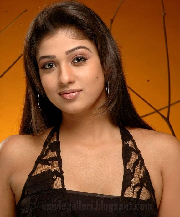 [nayanthara-latest-hot-pics-04.jpg]