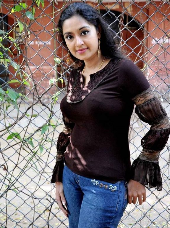 [Pattathu-Rani-Sharmila-05.jpg]