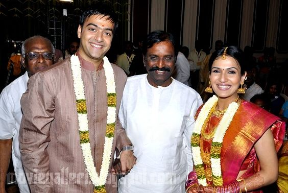 [Soundarya-Rajinikanth-Engagement-Photos-07.jpg]