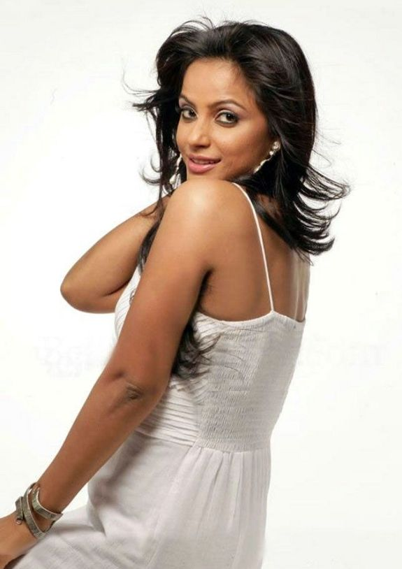 Neetu Chandra Latest Hot Photo Shoot Pics