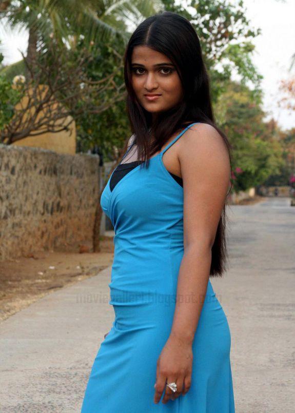 [Actress-Asmitha-Stills-photos-05.jpg]