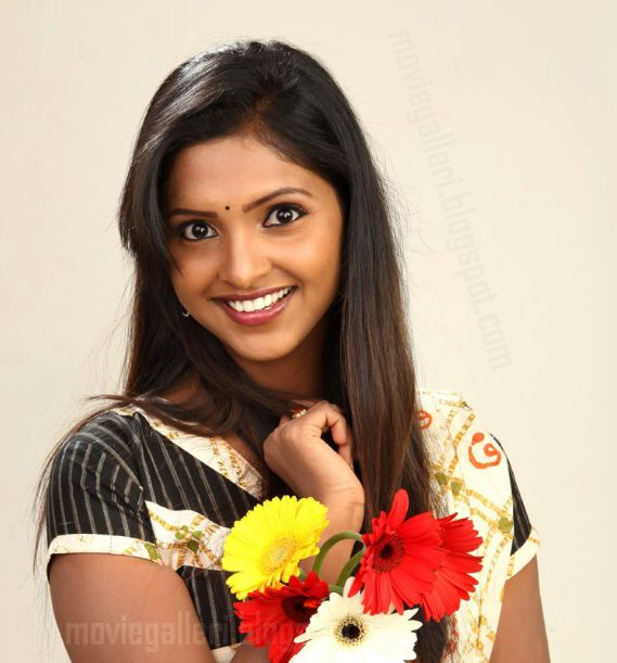 [sanchita-padukone-hot-pics-photos-01.jpg]