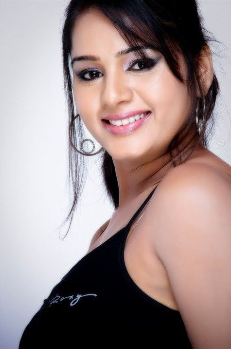 [Actress-Rashmi-latest-stills-pics-photos-06.jpg]