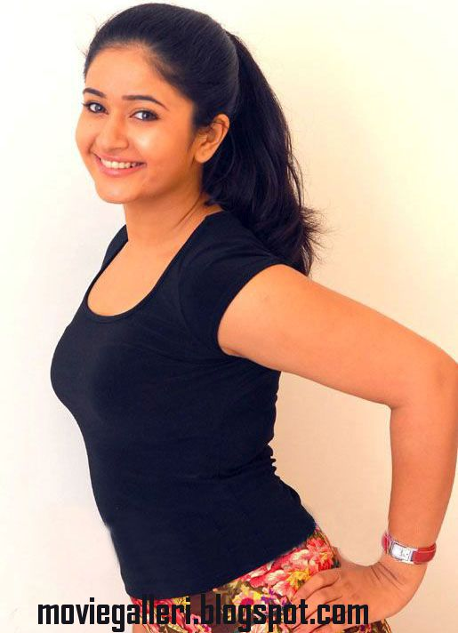 [poonam-bajwa-latest-hot-stills-pics-photos-images-02.jpg]