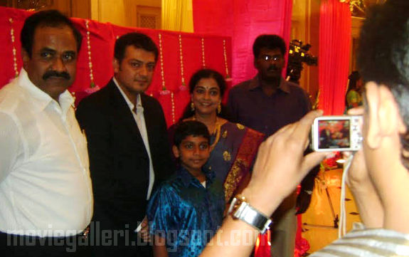 [Durai-Dayanidhi-Azhagiri-Engagement-Stills-10.jpg]