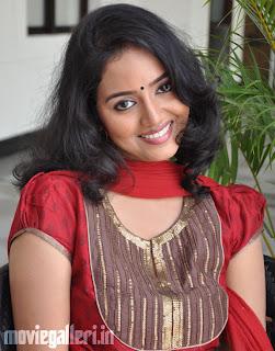 tamil actress dhiyana photos dhiyana stills dhiyana