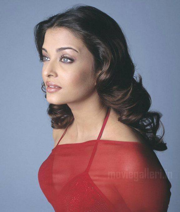 http://2.bp.blogspot.com/_kLvzpyZm7zM/TAsYoz-p55I/AAAAAAAAOws/CVypHwZaxT8/s1600/aishwarya-rai-red-saree-hot-stills-07.jpg