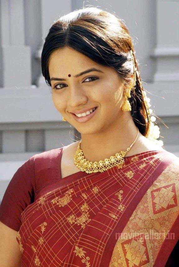 http://2.bp.blogspot.com/_kLvzpyZm7zM/TDVuuth8WrI/AAAAAAAARMw/Idq_XS56OrQ/s1600/thaa_movie_actress_nisha_stills_01.jpg