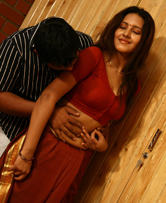 http://2.bp.blogspot.com/_kLvzpyZm7zM/TEbFsdpQ58I/AAAAAAAASyo/jGHsq0puMyQ/s1600/shanthi_movie_hot_stills_gallery_images_10.jpg