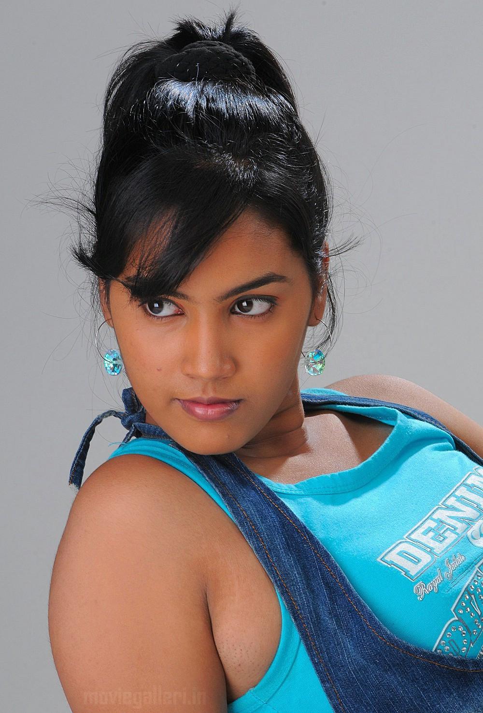 Oviya Tamil Actress Cute And Hot Photos - Gethu Cinema