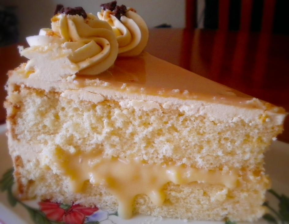 Heart of Mary: Dulce de leche cake