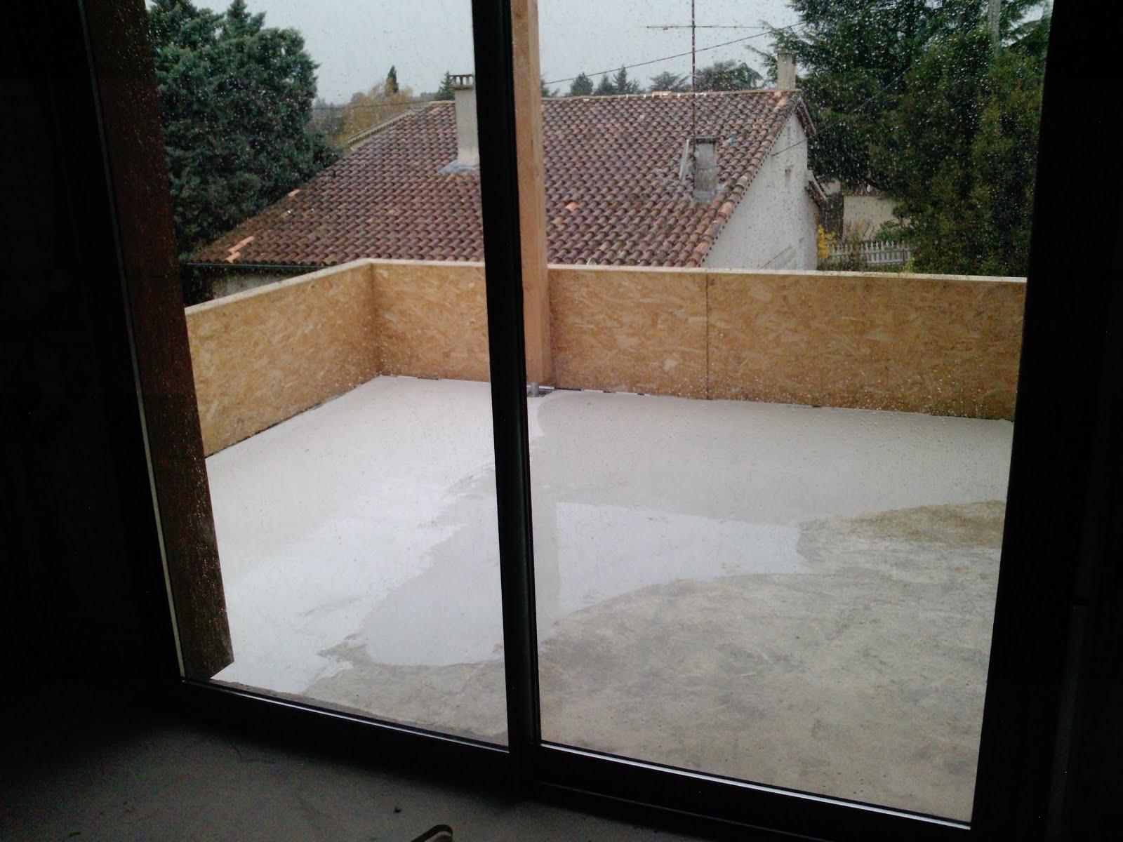 sur l vation d 39 une maison en bois romans sur isere le ragr age de la terrasse. Black Bedroom Furniture Sets. Home Design Ideas