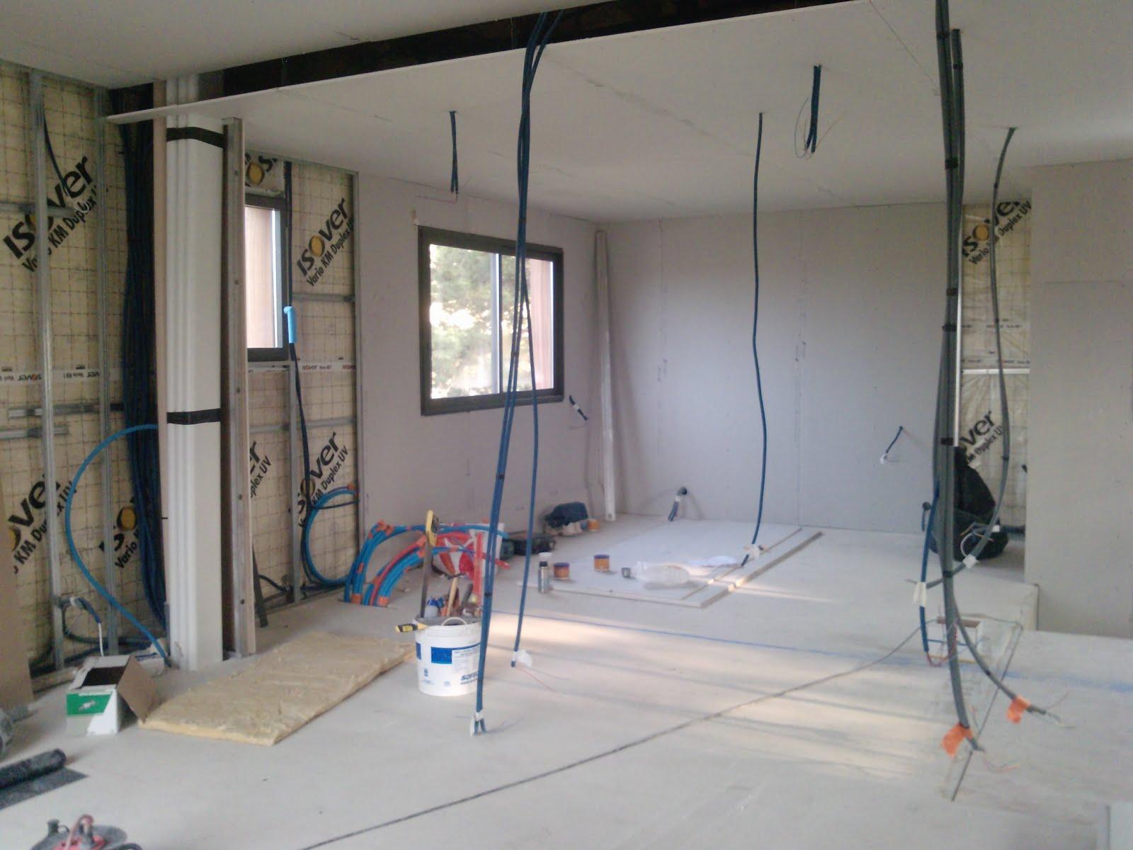 sur l vation d 39 une maison en bois romans sur isere le doublage sc ne 3. Black Bedroom Furniture Sets. Home Design Ideas