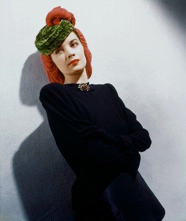[1939_Vogue.98135728_large.jpg]