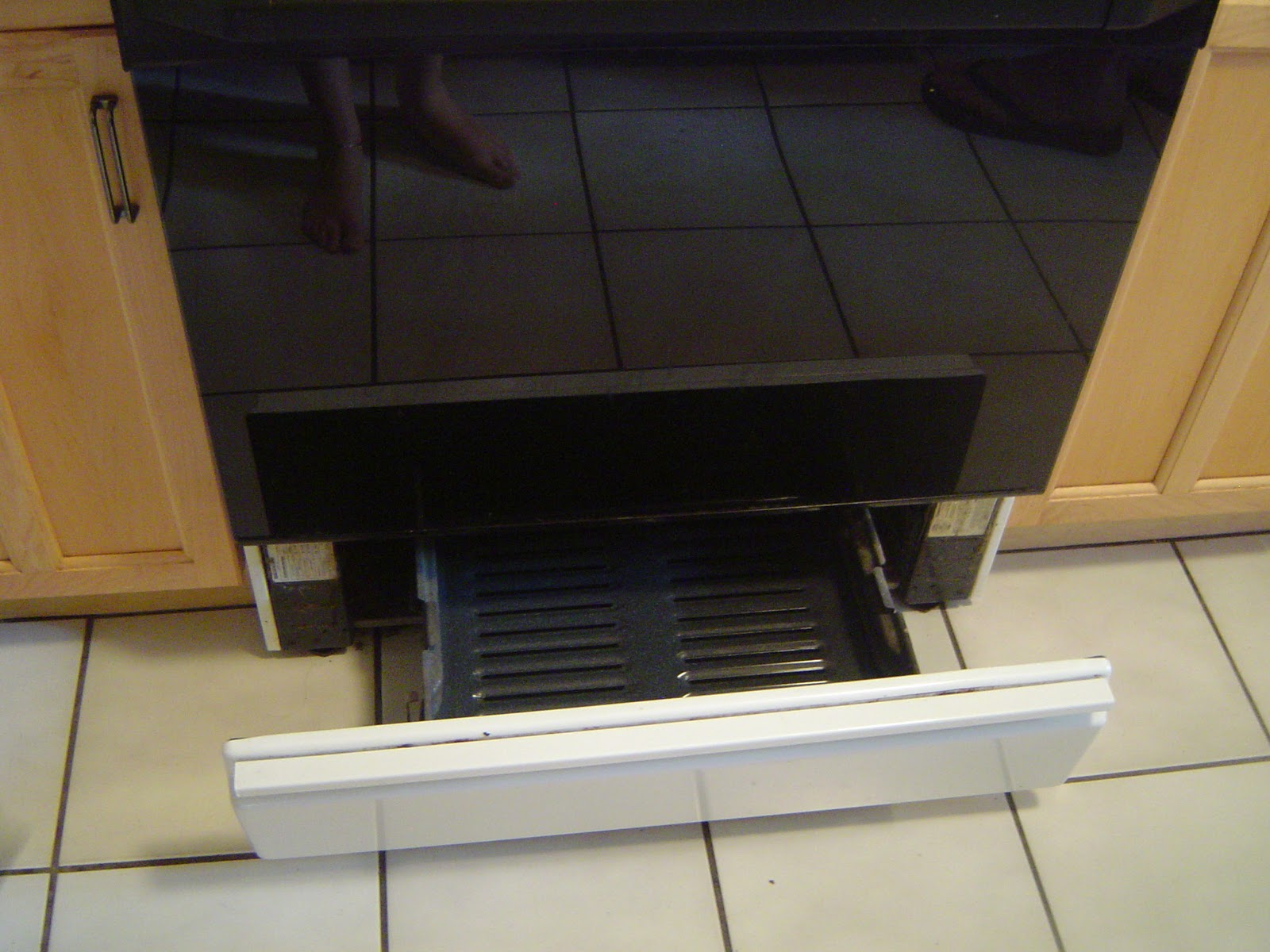 Image gallery stove broiler for What is the bottom drawer of an oven for