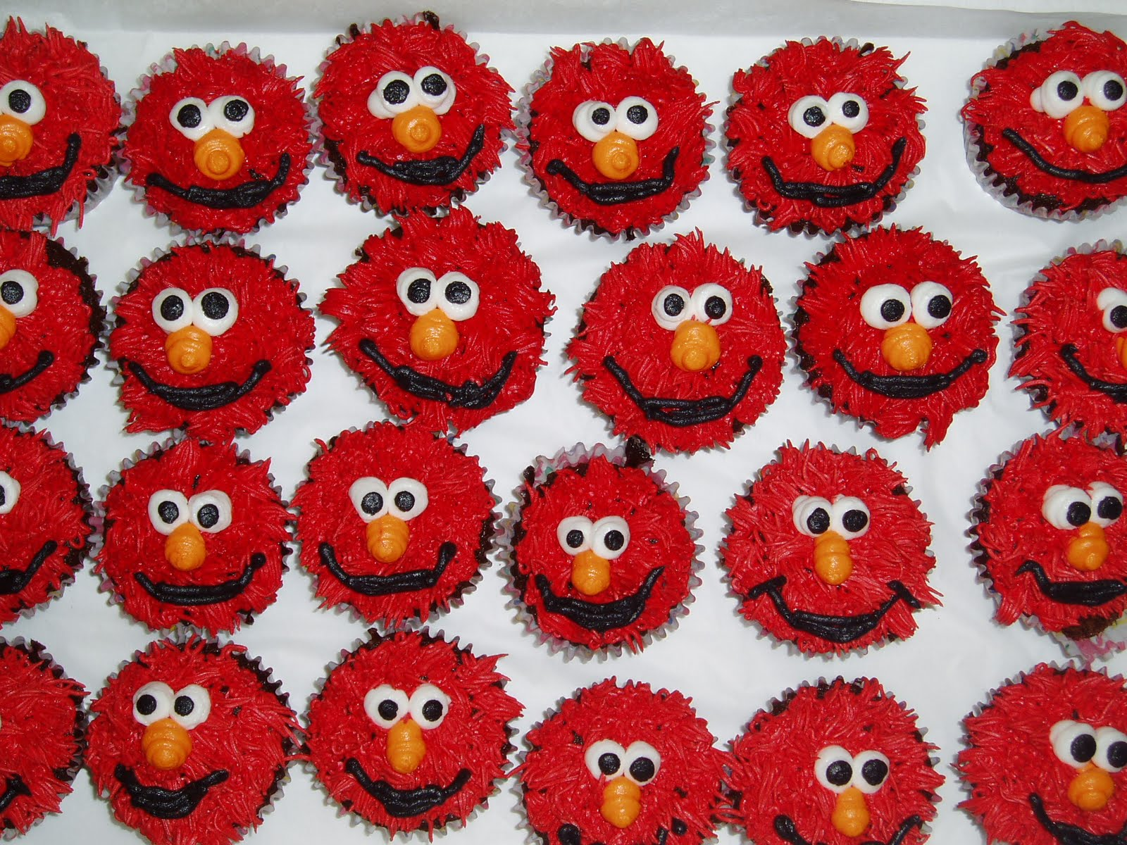 Desert Boys Elmo Cupcakes