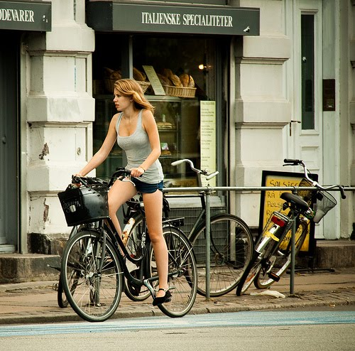 [bicycle_girlonbike]