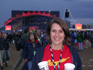 Wearing my Strokes Tee-Shirt at the Reading Festival last August, nightfall, we're waiting for Muse to come on stage!