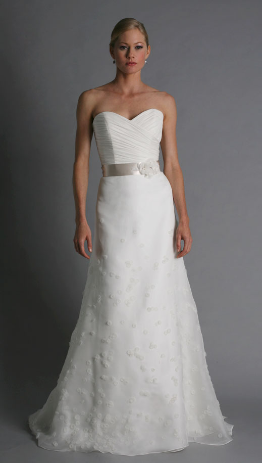 The blushing blog fall 2011 bridal trends for Wedding dresses in europe