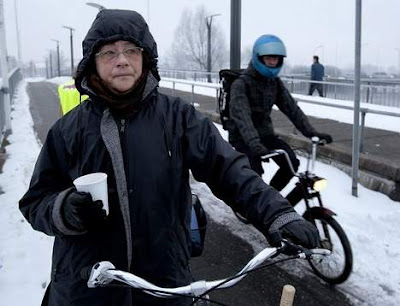 Cyclists rewarded with hot cocoa