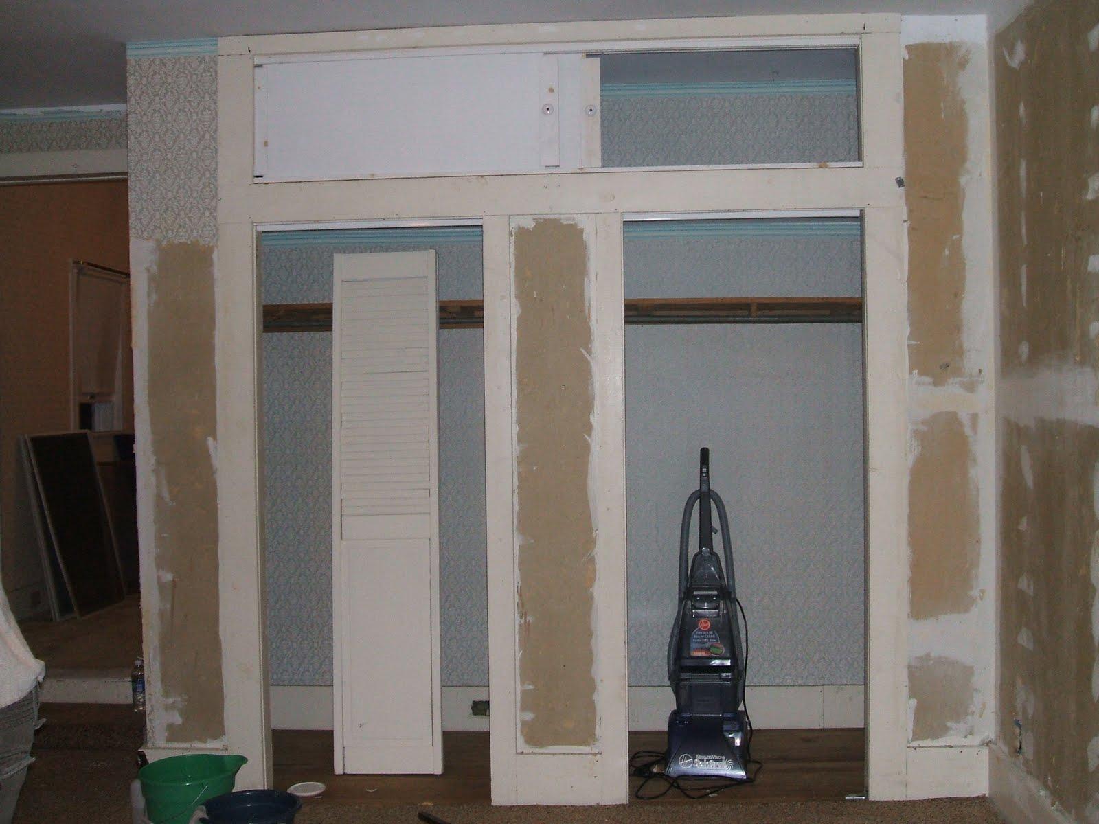 http://2.bp.blogspot.com/_kTkXC42XQPk/TIkBdmyMTWI/AAAAAAAAAtc/XfAYOGK3QUk/s1600/Home+Remodeling+Bedroom+In+Between+-+His+and+Hers+Closets.JPG