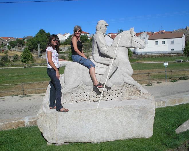 O cavalo firme como rocha,nem perdeu pela demora e elas logo se fizerão a foto,Ina e Lucília