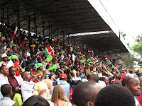 Crowds blowing their vuvuzelas