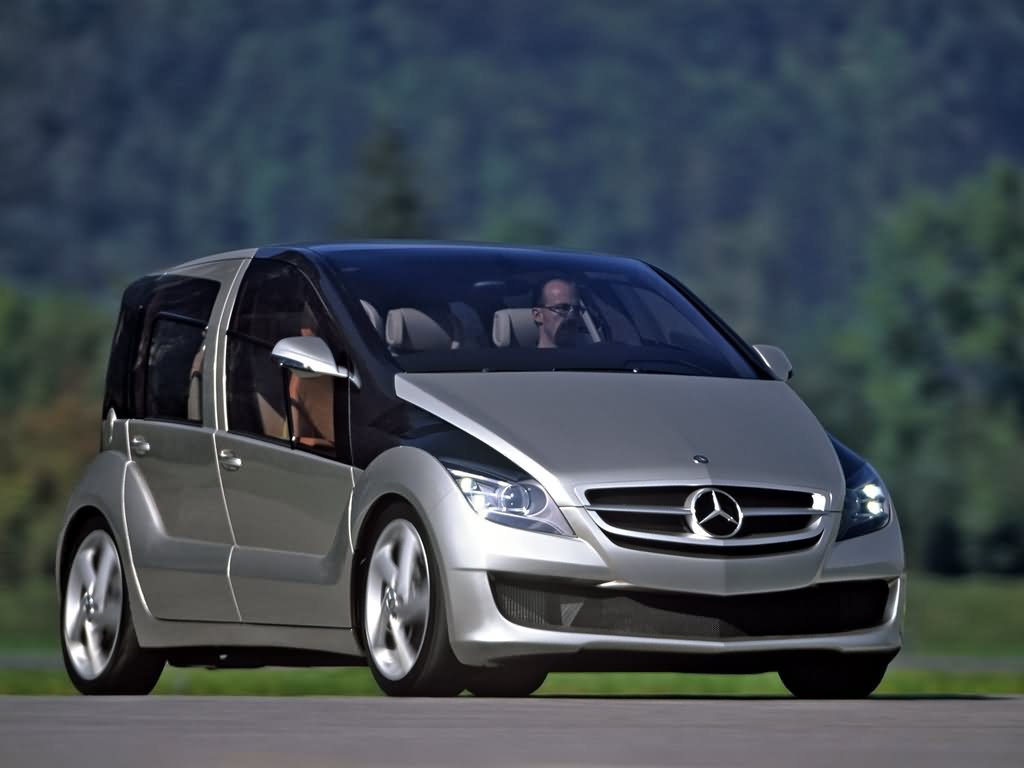 Mercedes benz 39 s premium small car automobile world for Mercedes benz small car