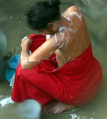[mallu+girl+bathing+hot1.JPG]