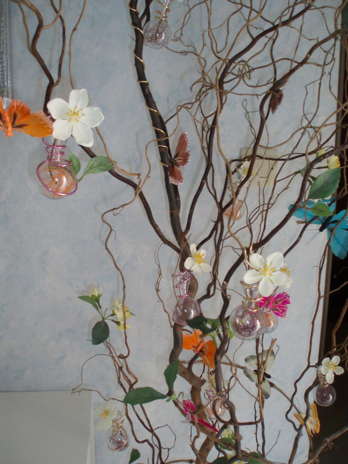 d 39 une branche l 39 autre l 39 arbre papillons. Black Bedroom Furniture Sets. Home Design Ideas