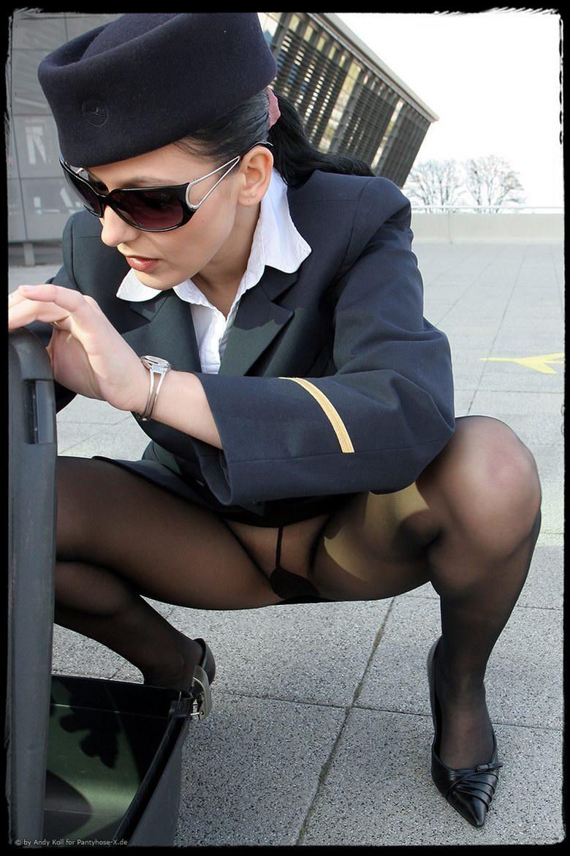 Стюардесса в самолёте порно 9 фотография