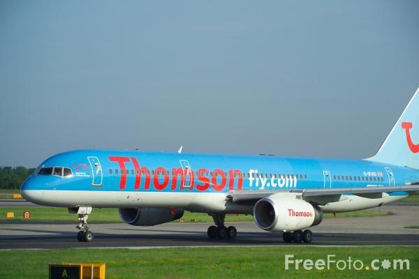 Foto Gambar Pesawat Terbang Thomson 04