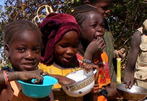 Nellie BlogHappy African Children With Food