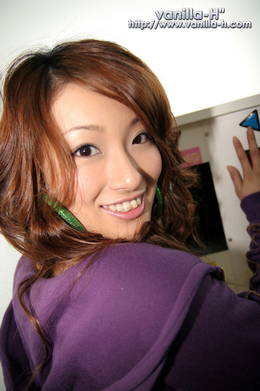 Nao Yoshizaki - Photo Colection