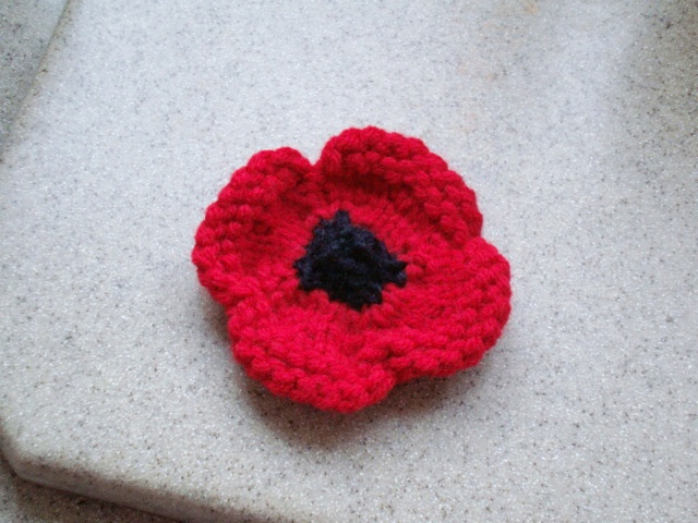 r-anne-dom: Remembrance Day Poppy to Knit