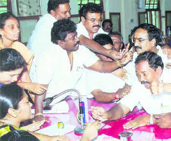 Tamil Political members fighting in assembly