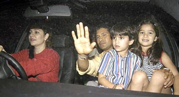 Sachin tendulkar family picture