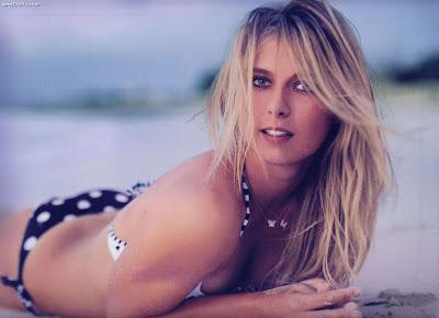 Maria Sharapova sexy bikini 1024 x 768 Wallpapers