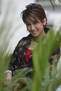 Amy Mastura Setahun Sekali MP3, Free MP3 Download Lyric Youtube Video Song Music Ringtone English Malay Indonesia Korea Theme Japan Anime New Top Chart Artist Group Band Lagu Baru Hari Raya codes zing, Amy Mastura, Download Setahun Sekali Mp3